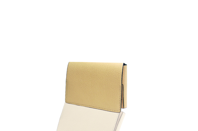 AROMA TORES Tre-Folding card case